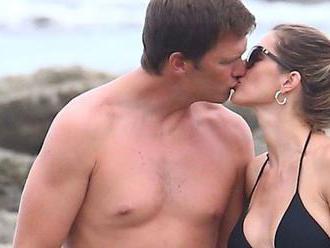 Krásna Gisele s manželom Bradym na pláži: Ich láska nechladne!