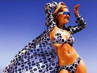 Znovu do bikín! Rita Ora využila voľnú chvíľku, ohúrila sexi telom