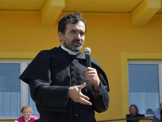 Kňaz Marián Kuffa žiada stiahnuť trestné oznámenie na publicistu Michala Havrana