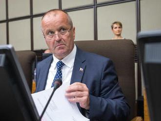 Verím, že kontrakt na stíhačky F-16 sa podarí dotiahnuť čo najskôr, povedal minister Gajdoš