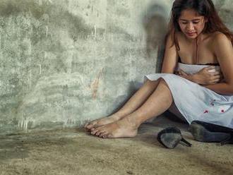 MIMORIADNE ODPORNÉ Štyria mladíci hromadne znásilnili v Poltári 15-ročné dievča