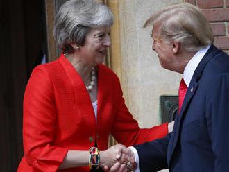 Trump rokuje s Mayovou, ich vzťah označil za dobrý