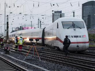 Na juhovýchode Mongolska sa vykoľajil vlak s vyše 300 pasažiermi