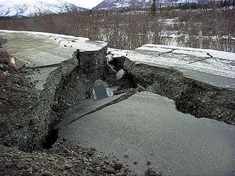 Aljašku zasiahli dve zemetrasenia, prvé z nich najsilnejšie v histórii