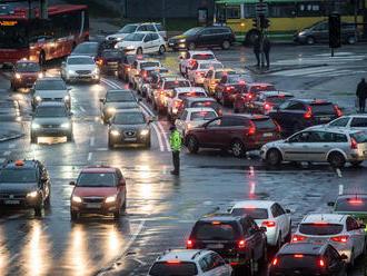 Bratislavu čaká dopravný kolaps: čo s tým urobia kandidáti na primátora?