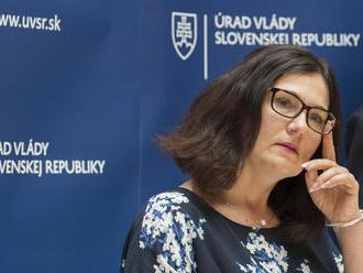 Učitelia v penzii nebudú mať automatické zmluvy, navrhuje Lubyová