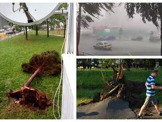 Apokalypsa v Poprade: VIDEO Silná búrka vyvracala stromy, mesto hlási povodne, zaplavilo i Tatry
