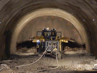 Začalo sa s razením tunela na úseku D1 Prešov západ – Prešov juh