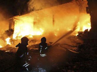 Explózia v Sýrii zničila poschodový dom, o život prišlo 39 osôb