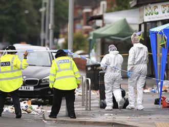Britská polícia vyšetruje streľbu v Manchestri ako pokus o viacnásobnú vraždu