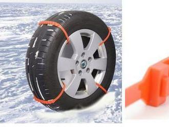 Plastové snehové reťaze   na pneumatiky pre bezpečné zimné cestovanie.