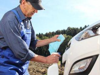 Odstraňovač hmyzu 500 ml. Účinne odstraňuje hmyz z celého povrchu auta, vrátane plastu a skla.