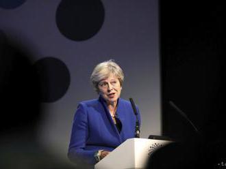 Diskusia o jej vedení začína britskú premiérku Mayovú iritovať