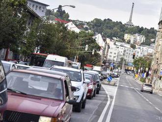 Do bratislavského parlamentu kandiduje 284 uchádzačov