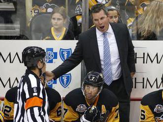 Pittsburgh v úvode prípravy bez trénera, Sullivanovi zomrel otec