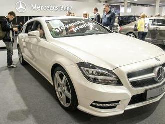 Mercedes začal s aktualizáciou softvéru v státisícoch vozidiel