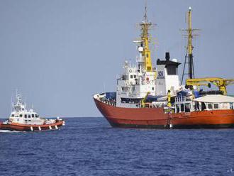 Premiér Muscat: Malta sa nestane centrom pre migrantov