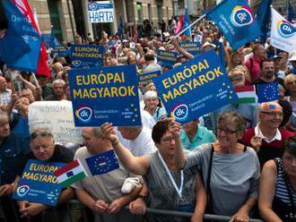 Opozícia protestuje proti vláde Viktora Orbána, chce európske Maďarsko