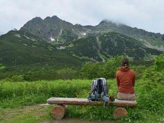 Mladá turistka si vo vysokých Tatrách pri páde zranila hlavu