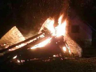 NEŠŤASTIE: Požiar v rodinnom dome v Komárne si vyžiadal dve obete