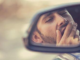 Pokuty za nedostatek spánku? Unavené řidiče mají odhalit krevní testy