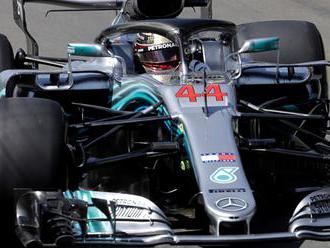 """Hamilton ovládol VC Singapuru: """"Asi najdlhšie preteky v mojej kariére"""""""