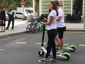 V Praze oficiálně začnou jezdit elektrické koloběžky Lime, mají jich být stovky