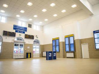 Krajšie miesto pre cestujúcich: FOTO Hlavná stanica v Bratislave má novú modernú čakáreň