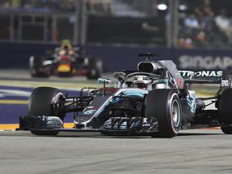 Hamilton ovládol VC Singapuru: Asi najdlhšie preteky v mojej kariére