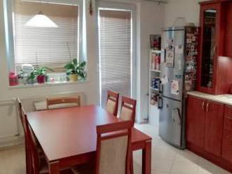 Veľký, priestranný 3 izbový mezonet s klimatizáciou, 92 m2