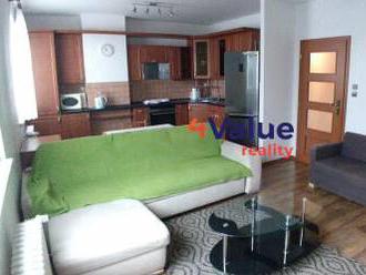 Kompletne zrekonštruovaný 3 - izbový byt za super cenu v Dúbravke
