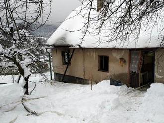 Upožáru rodinného domu vNedašově Lhotě zasahovaly tři jednotkyhasičů