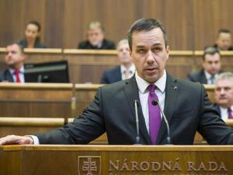 E.Tomáš: SR by malo zvážiť žalobu na Rakúsko pre krátenie prídavkov