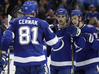 NHL: Tampa Bay a Arizona s vysokou prehrou, Černák a Pánik nebodovali