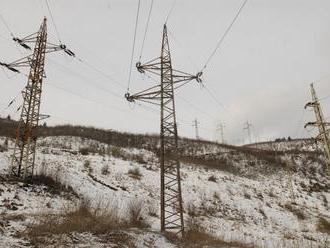 Na strednom Slovensku je bez elektriny zhruba 12.000 odberateľov