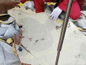 Našli druhú čiernu skrinku z havarovaného lietadla Lion Air