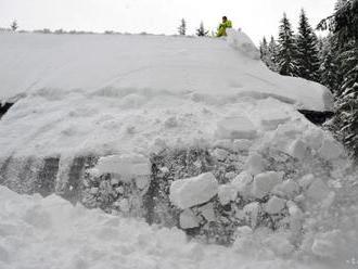 Lavína zasiahla hotel v lyžiarskom stredisku Balderschwang