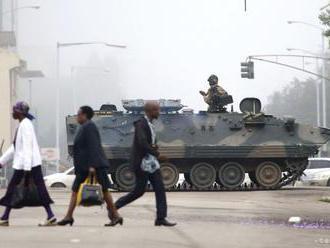 V oblastiach protestov v Zimbabwe rozmiestnili armádu