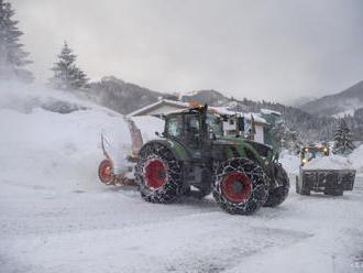 Mimoriadnu situáciu pre snehovú kalamitu vyhlásila aj obec Ochodnica