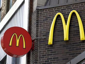 Ukrižovaný maskot McDonalds vyvolal v Izraeli protesty kresťanov