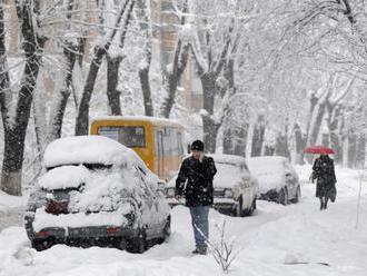 SHMÚ: Na severe Slovenska môže v nedeľu napadnúť 30 cm nového snehu