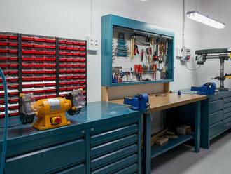 Zariaďujeme dielňu. Ako vybrať ten správny dielenský stôl či skriňu?