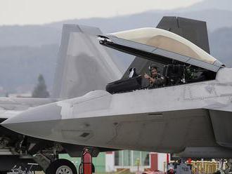 Americké letectvo zápasí s čoraz väčším množstvom problémov
