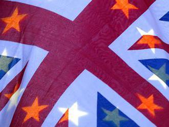 Skupina europoslancov vyzýva v liste Britov, aby zostali v Európskej únii