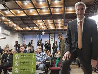 """""""Spoločnosť dozrela, ľudia sa už nepýtajú na národnosť kandidáta"""": Bugár odovzdal podpis"""