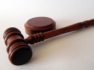 MediaBrífing: České súdy odsúdili ľudí, ktorí na Facebooku želali smrť dieťaťu