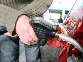 Americké sankcie tvrdo zosekali vývoz iránskej ropy