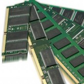 Výrobci DRAM omezují investice ve snaze zastavit pád cen