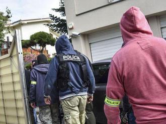 Polícia chytila dvojicu, ktorá mala vykrádať byty po celom Slovensku
