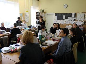 Vláda schválila zákon o pedagógoch, zmení kreditový systém